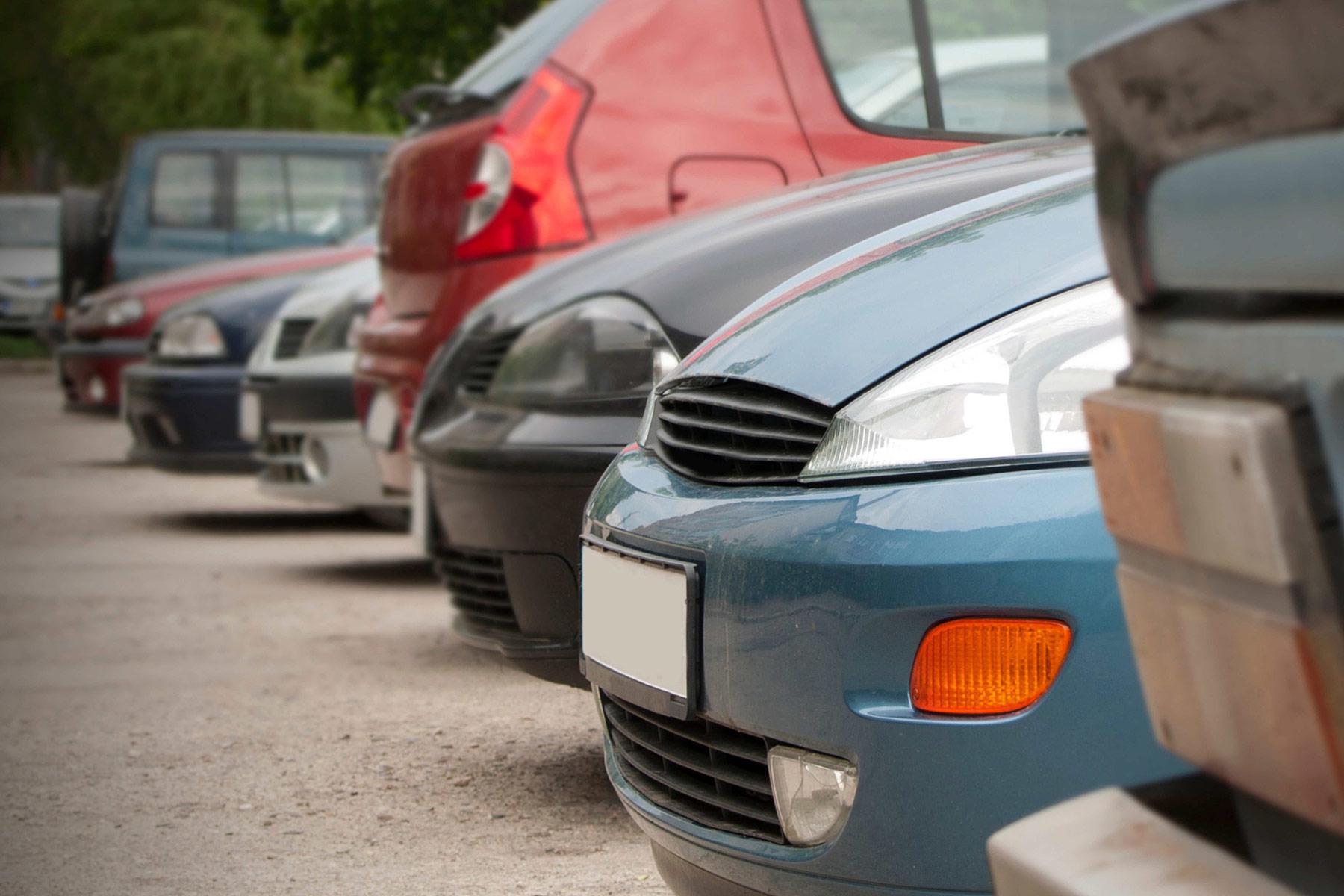 Loppuuko auton elinkaari tosiaan 150 000–300 000 ajetun kilometrin jälkeen? Lue autojen kestoiästä ja elinkaarimallista Autoriita.fi:n asiantuntijablogista!